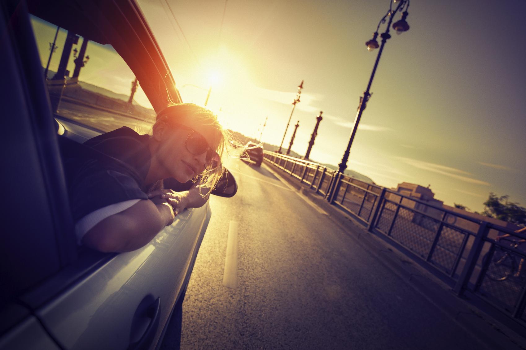 speeding-into-the-sunset-000044694716_Medium